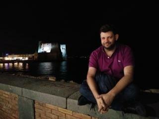 Francesco sul lungomare di Napoli