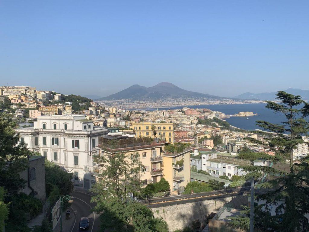Napoli. Veduta dal mio balcone. Poteva andare peggio